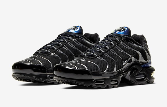 Nike-TN-Air-Max-Plus-Black-Metallic-Silver-CW2646-001-02